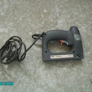 grafeuse loueuse - cloueur électrique