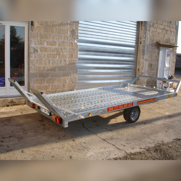 remorque plateau multi usages porte voiture cu 930 kg. Black Bedroom Furniture Sets. Home Design Ideas